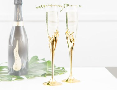 Champagne Glasses & Toasting Flutes