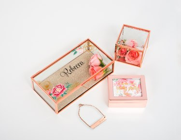 Jewelry, Boxes & Holders