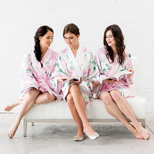 Women's Personalized Embroidered Floral Satin Robe with Pockets- Light Pink