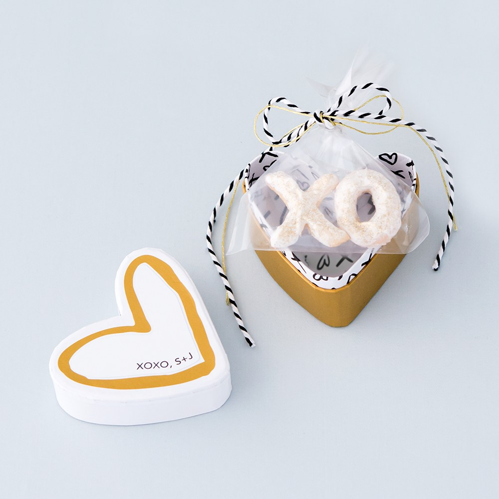 Hearts and Kisses Favor Box Diecut Sticker