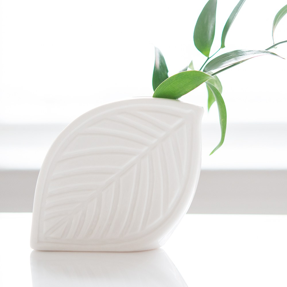 Decorative White Leaf Flower Vase