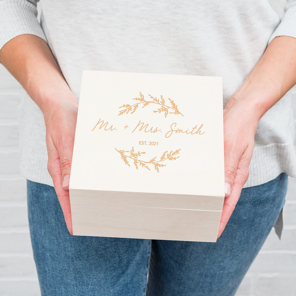 Personalized Wooden Keepsake Gift Box - Signature Script Etching