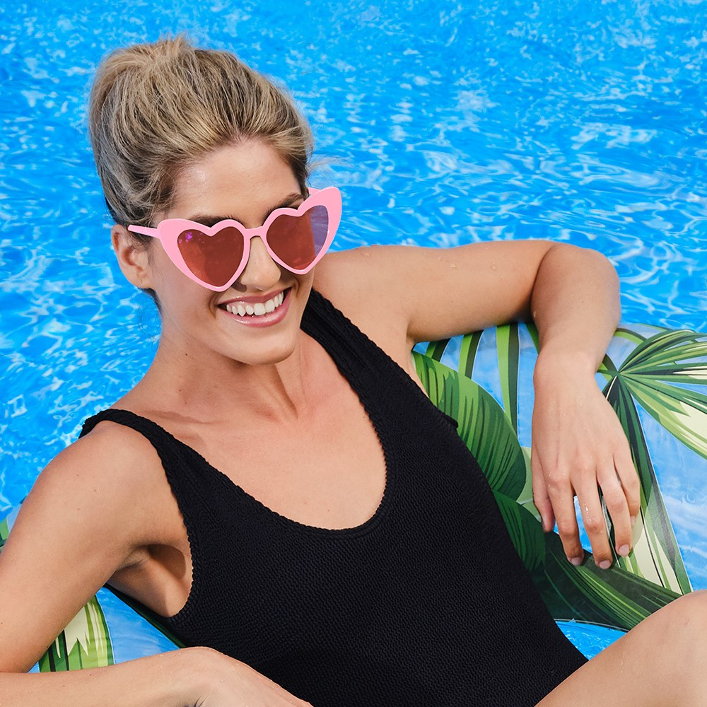Women's Unique Shaped Bachelorette Party Sunglasses - Pink Heart Eyes