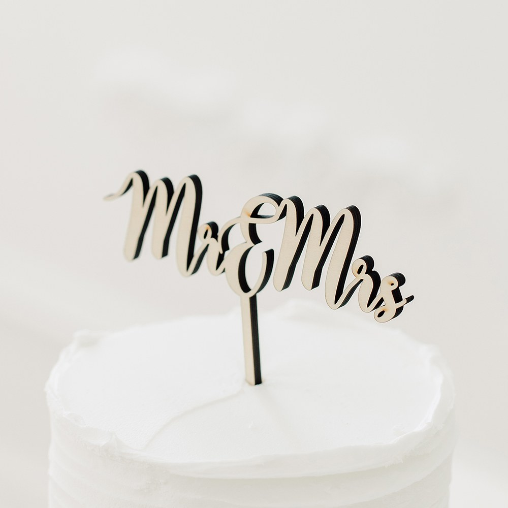 Natural Wood Cake Topper Decoration - Mr & Mrs