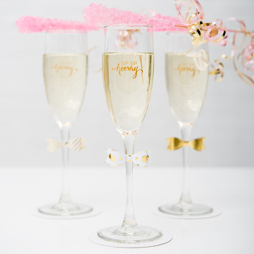 Personalized 5.75 oz. Champagne Flute Wedding Favor