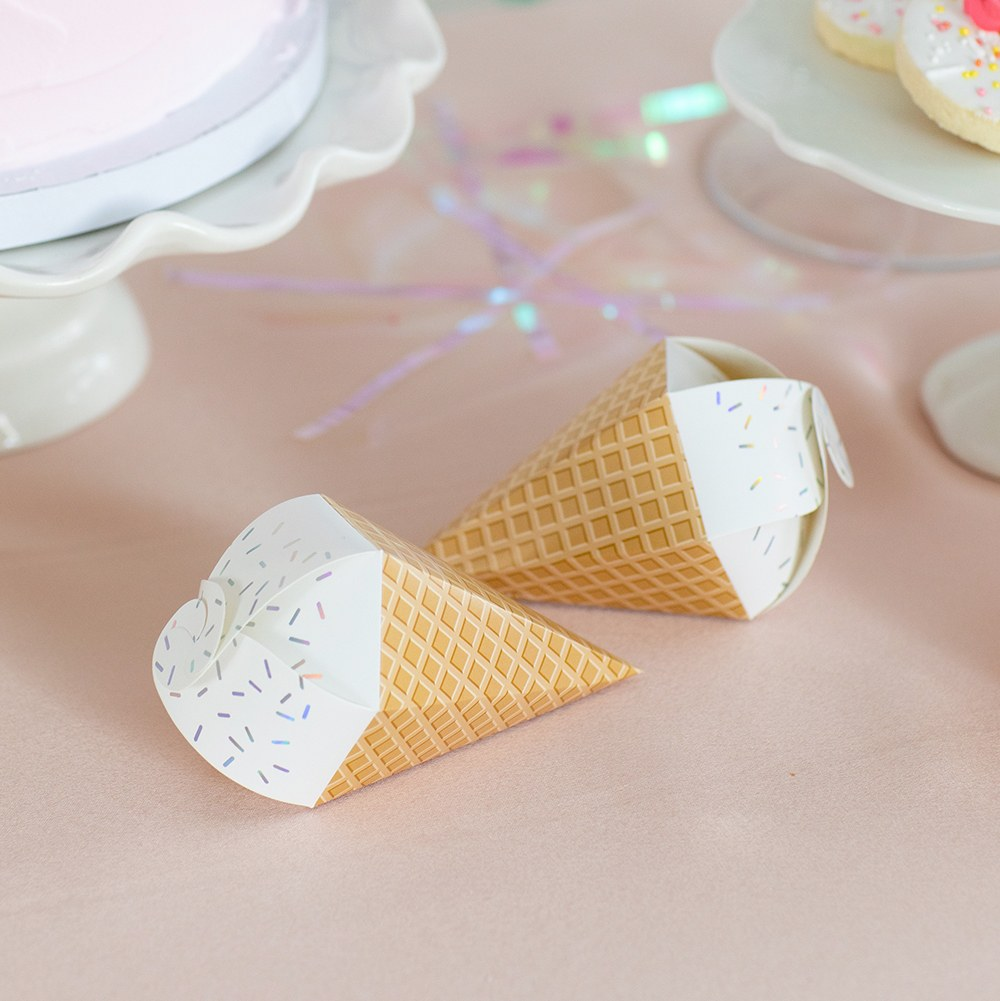 Uniquely Shaped Paper Wedding Favor Boxes - Ice Cream Cone - Set of 10