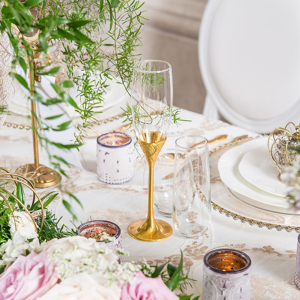 Toasting Flutes   Classic Gold Romance