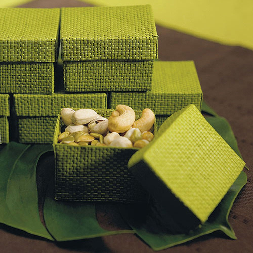 Natural 2 Piece Woven Wedding Favor Boxes - Grass Green