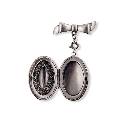 Personalized Vintage Silver Locket Necklace – Traditional Oval