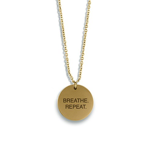 Personalized Gold Circular Tag Necklace – Modern Sans Serif Font Text Engraving