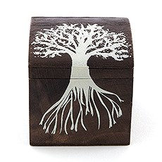 "Miniature Wooden Box with Lid - exclusive ""Tree Design"" (6)"