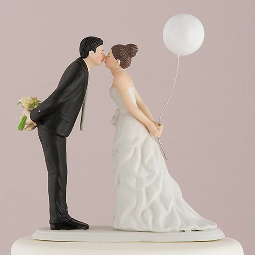 figurine wedding cake toppers leaning in for a balloon wedding cake topper the 4062