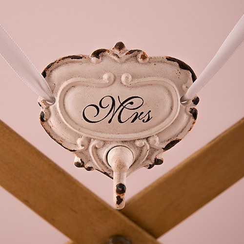 Shabby Chic Hook Set With Mr And Mrs Inscription