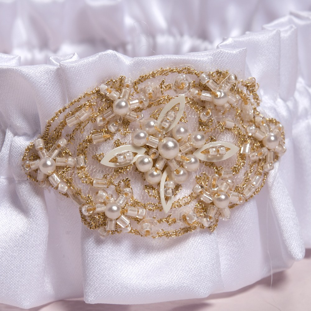 Beverly Clark The Luxe Collection Garter Set