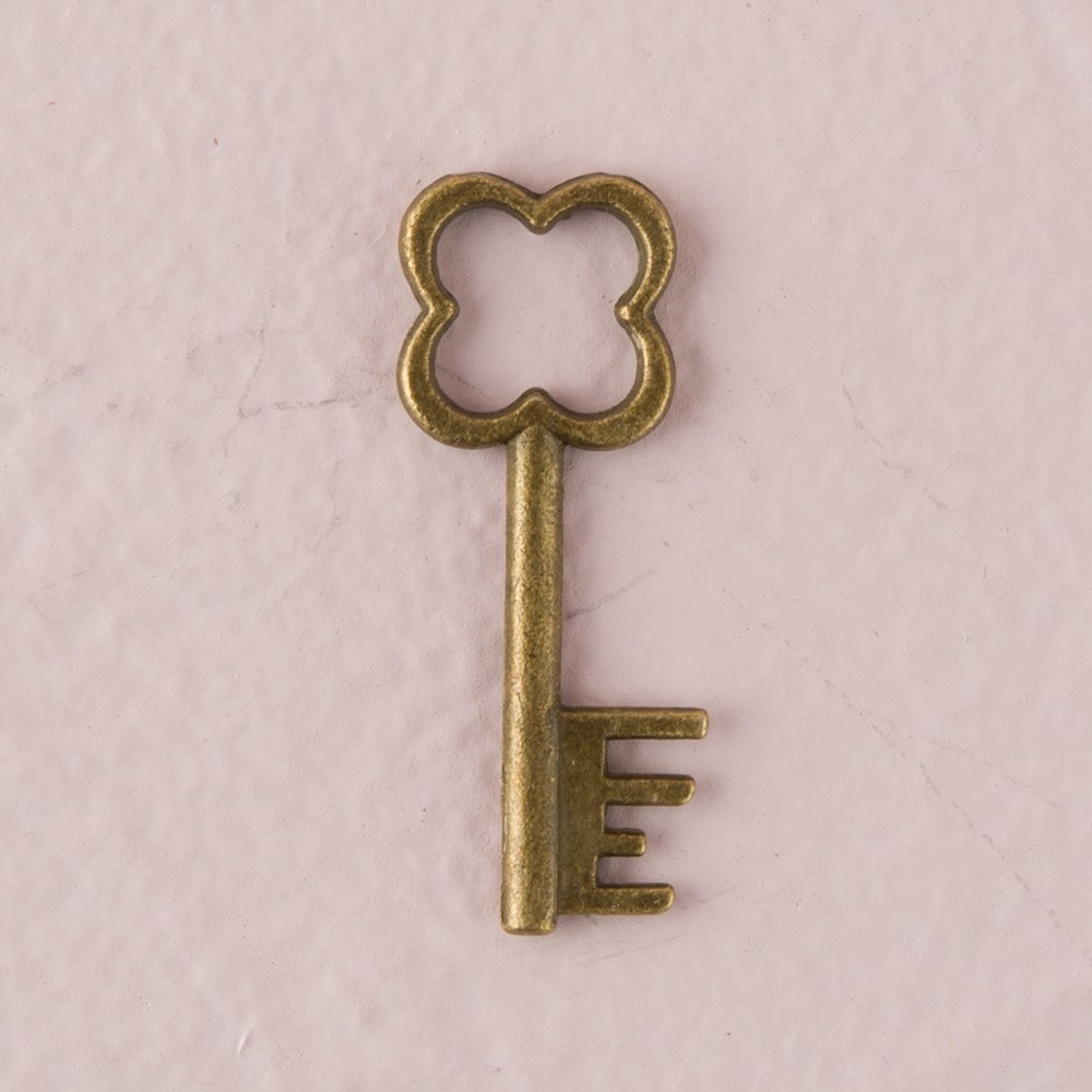 Antique Key Charm Style 1 - Clover