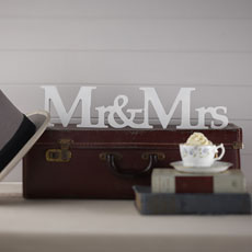 Vintage Affair - Mr & Mrs Wooden Sign