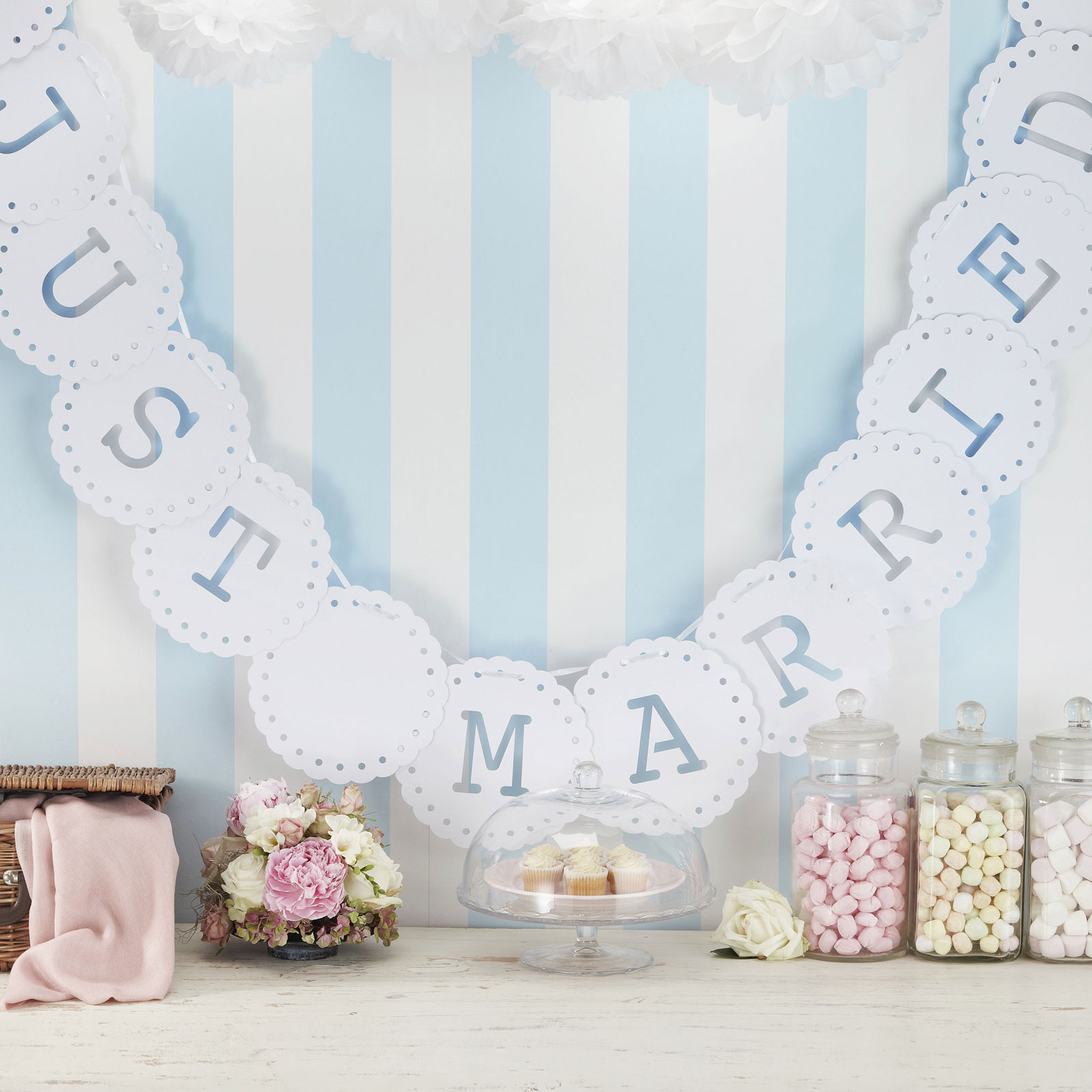 Vintage Lace Just Married Bunting