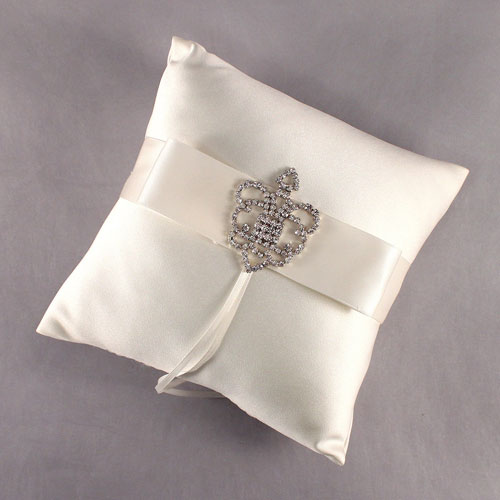Beverly Clark The Crowned Jewel Collection Ring Pillow